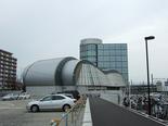刈谷駅北口から刈谷市産業振興センターを臨む。